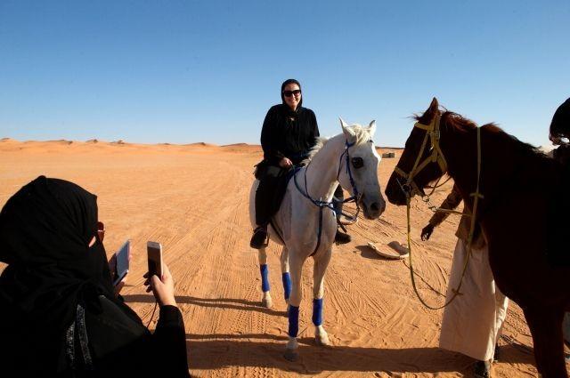 Женщины смогут посещать Саудовскую Аравию без сопровождения мужчин