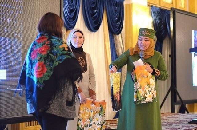 Всемирный день платка в Кыргызстане